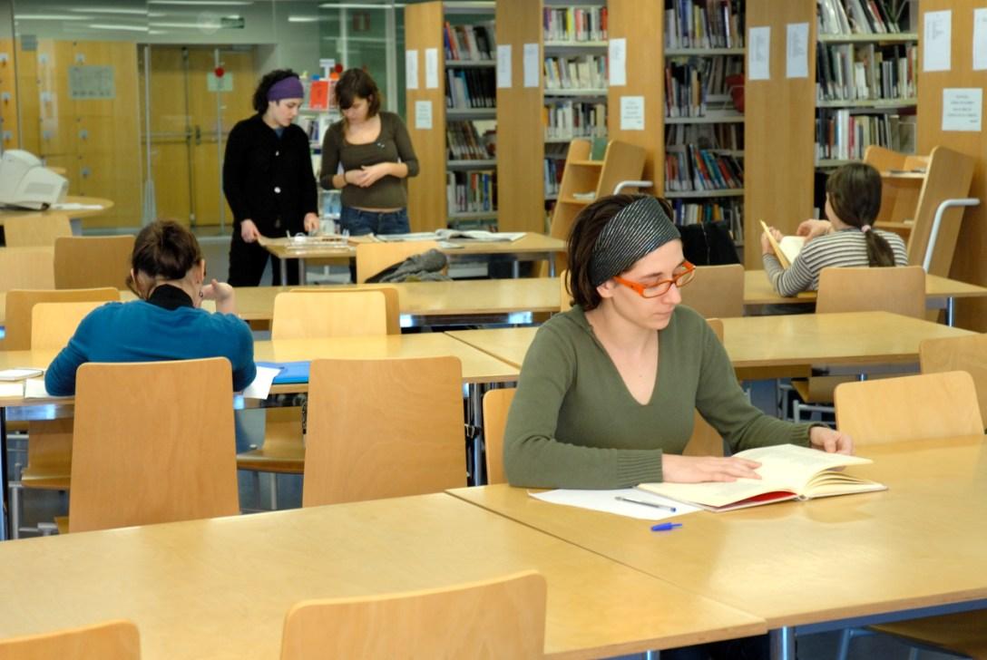 Sala de la biblioteca de Barcelona