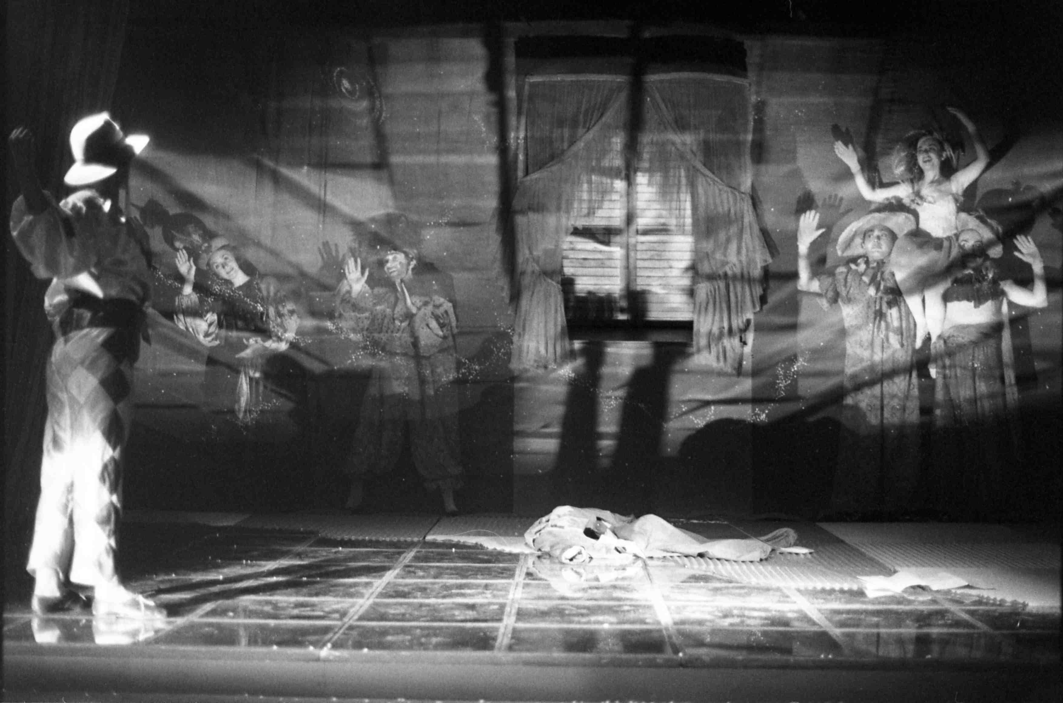 Fotografia d'escena. Antaviana de Dagoll Dagom. Teatre Villarroel, 1978