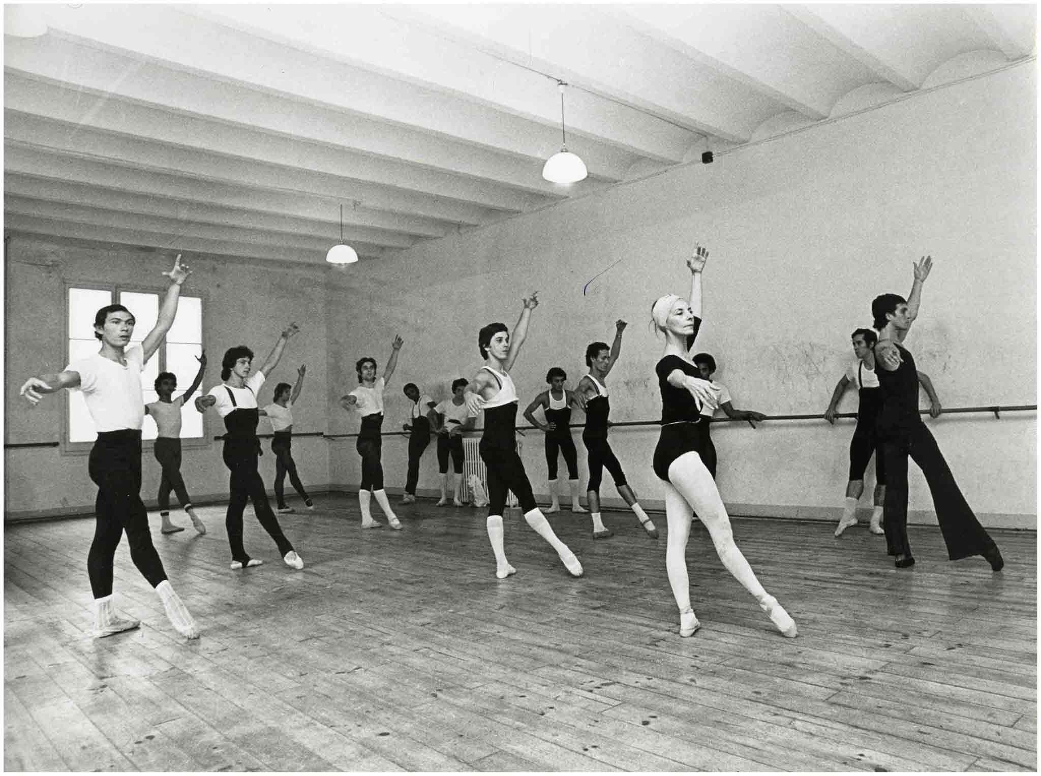 Fotografia de Pau Barceló durant una visita del Ballet Nacional de Cuba amb Alicia Alonso, el setembre de 1976 a l'Institut del Teatre