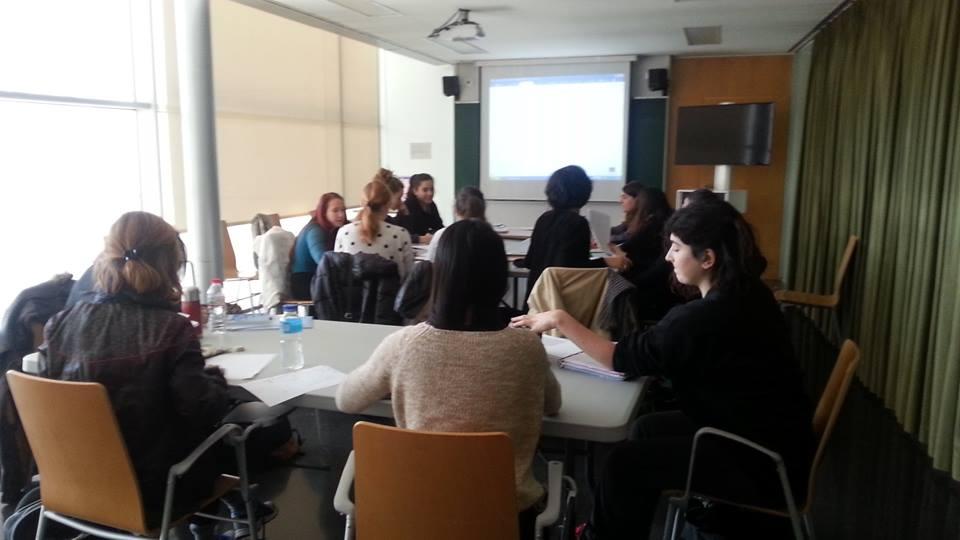 Sessió de formació MAE a les alumnes de 2n curs de Conservatori Superior de Dansa de l'Institut del Teatre de l'assignatura Història de la dansa a Espanya, 16 febrer 2016
