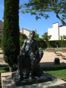 Escultura d'Àngel Guimerà a El Vendrell