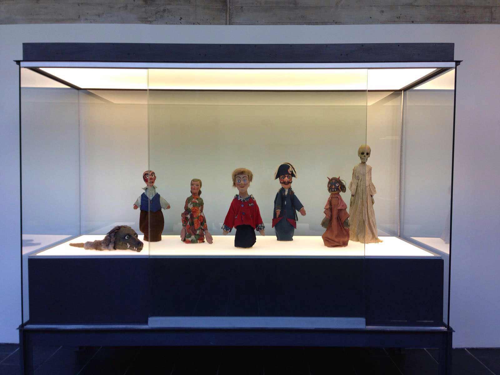 Exposició Titelles. Teatre d'incones. Museu de Granollers. Del 21 d'abril al 3 de juliol de 2016