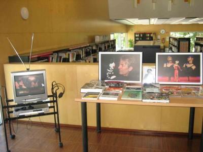 Exposició itinerant Capturar l'alè, de fotografies de Jesús Atienza. Del 22 de juny al 26 de juliol de 2016 a la Biblioteca Pilarin Bayés de Santa Coloma de Cervelló.