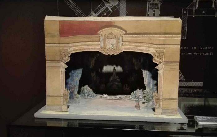 Nou teatrí cedit al Museu del Gas, de Francesc Soler i Rovirosa per a l'òpera Don Carlo de Giuseppe Verdi, estrenada al Gran Teatre del Liceu el 21 de novembre de 1897