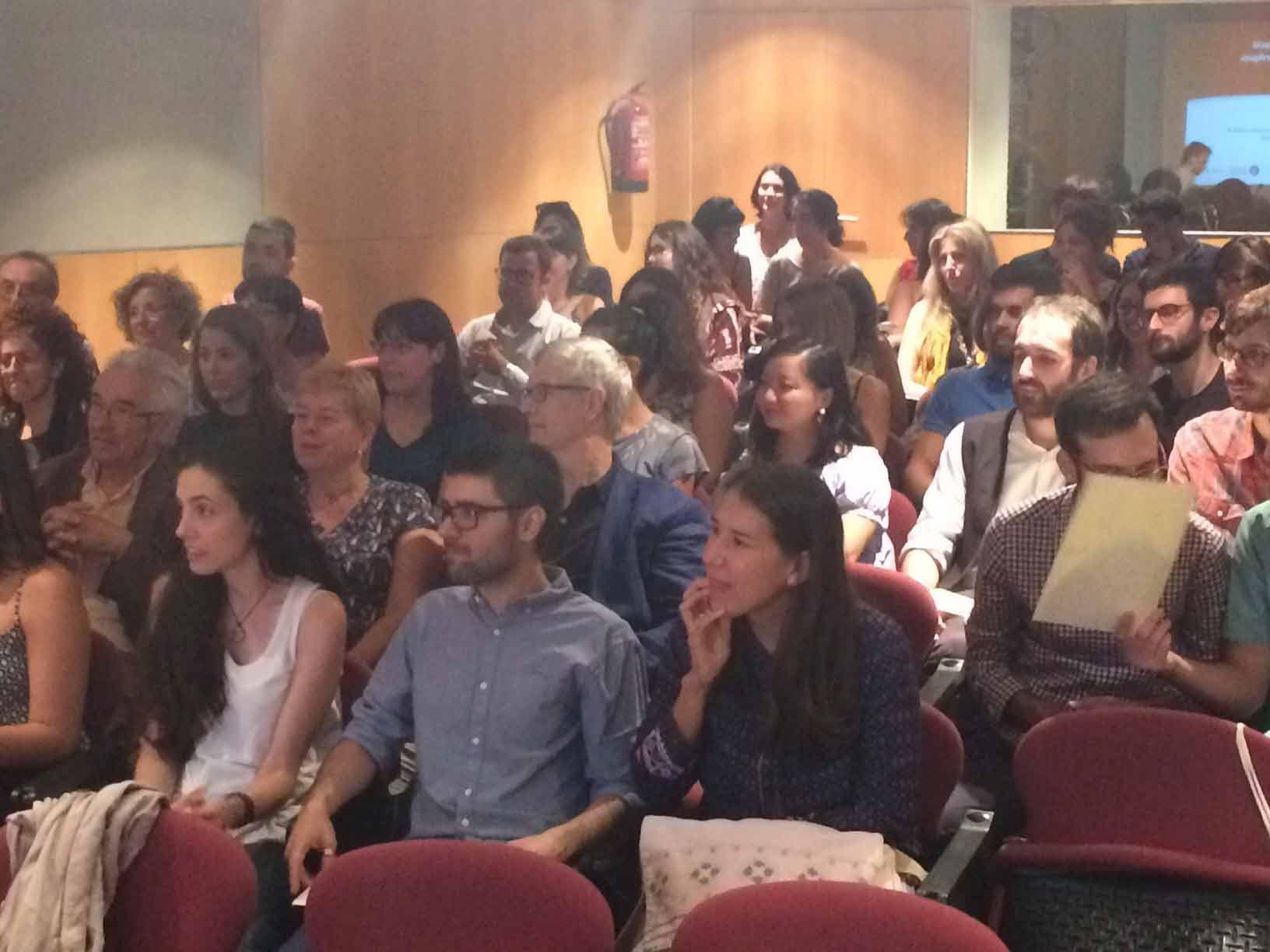 Alumnes assistents a la sessió inaugural del Màster de Gestió del Patrimoni Cultural i Museologia de la Universitat de Barcelona, el 16 de setembre de 2016 a l'Auditori de l'Institut del Teatre