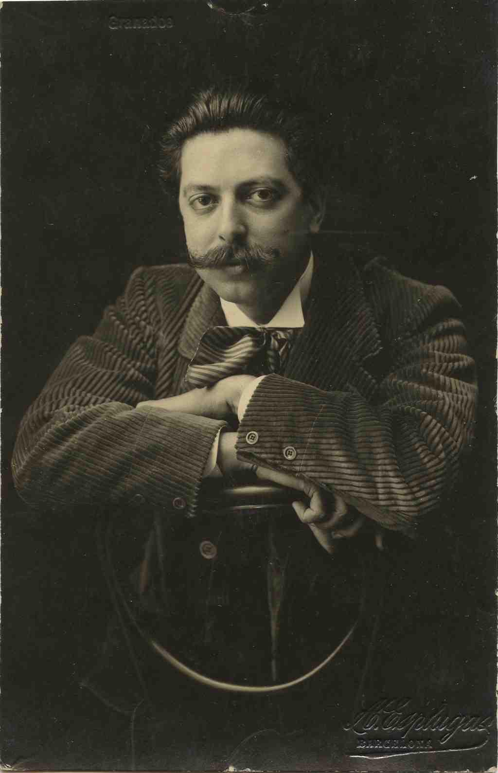 Retrat d'Enric Granados, fotografia d'Antoni Esplugues. Fons Adrià Gual