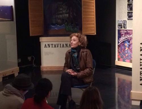 Visita de Julia Gutiérrez Caba al MAE