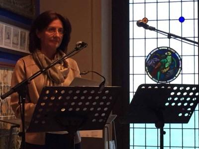 Anna Valls durant la Marató de lectura de L'auca del senyor Esteve, el 21 d'abril de 2017 al Museu Cau Ferrat de Sitges