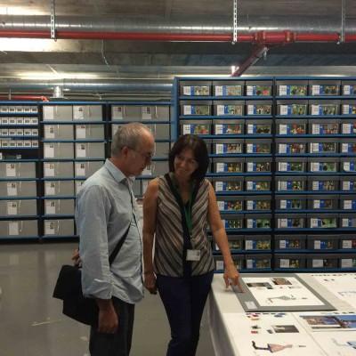 Visita al MAE de Salvador García Fortes, Vicerector d'Arts, Cultura i Patrimoni de la Universitat de Barcelona, 7 setembre 2017