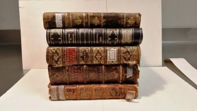 Els 5 volums facticis de teatre del Segle d'Or que es restauren el febrer de 2018