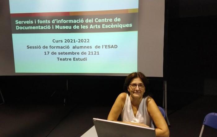Anna Valls, directora del MAE, en la sessió de formació als nous alumnes de l'ESAD, el 17 setembre 2021
